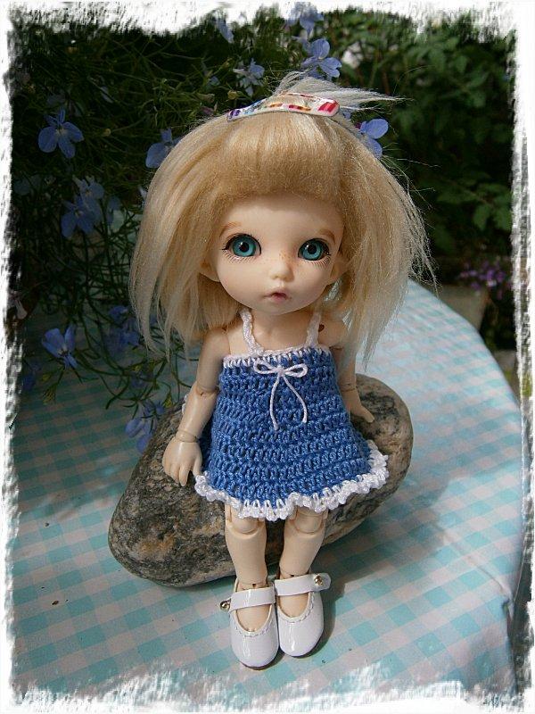 Alba-Stina i den nyvirkade klänningen
