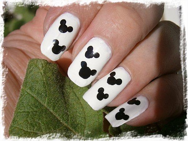 Musse Pigg-naglar