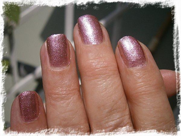 Mammas naglar med Depend 2056 Razzle Rose