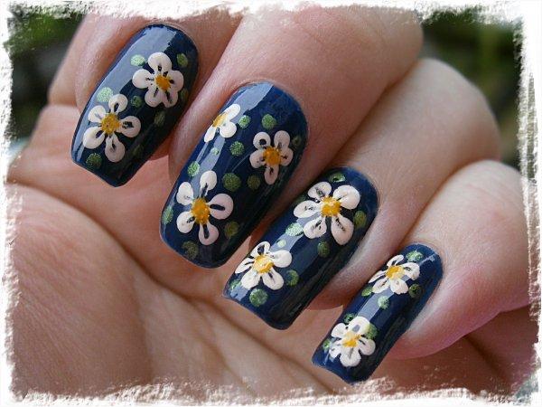 Blommiga midsommarnaglar