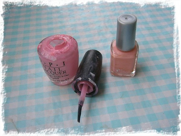 Resterna av OPI Chic from Ears to Tail